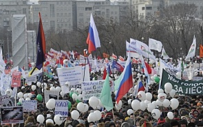 Russian Presidential Election of 2012: People's Protests for the Democracy Train